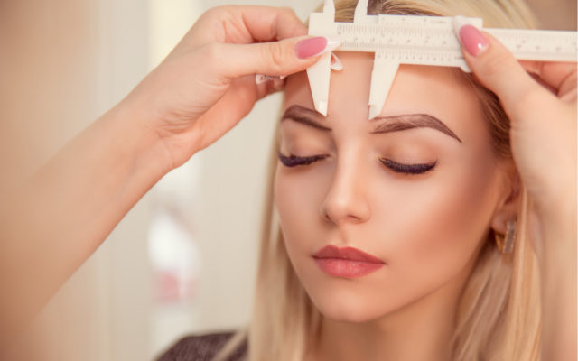measuring eyebrows for microblading